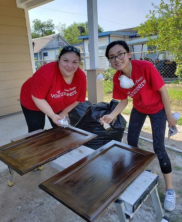 Wells Fargo employees from the Cameron County area have been working hard to complete the McKinney Family Home in Brownsville. Thank you @wellsfargo for all your support! #habitatforhumanity #helpingfamilies #volunteers #wellsfargo #rgvhabitat