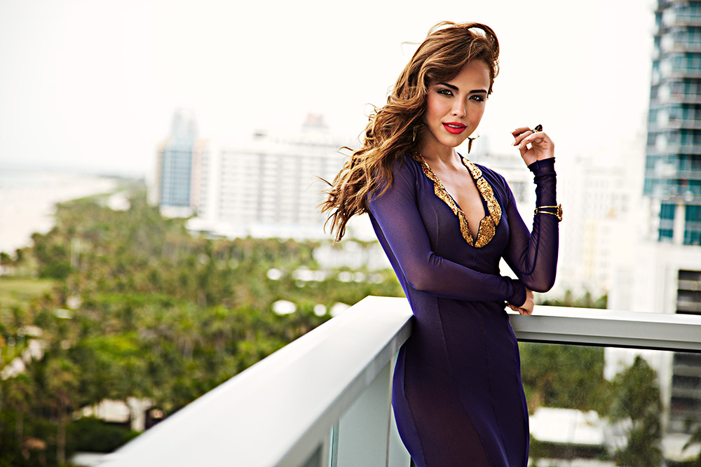 Cosmo en Español & Cosmo for Latinas Magazine Fashion Feature. Photo: Francisco Garcia.