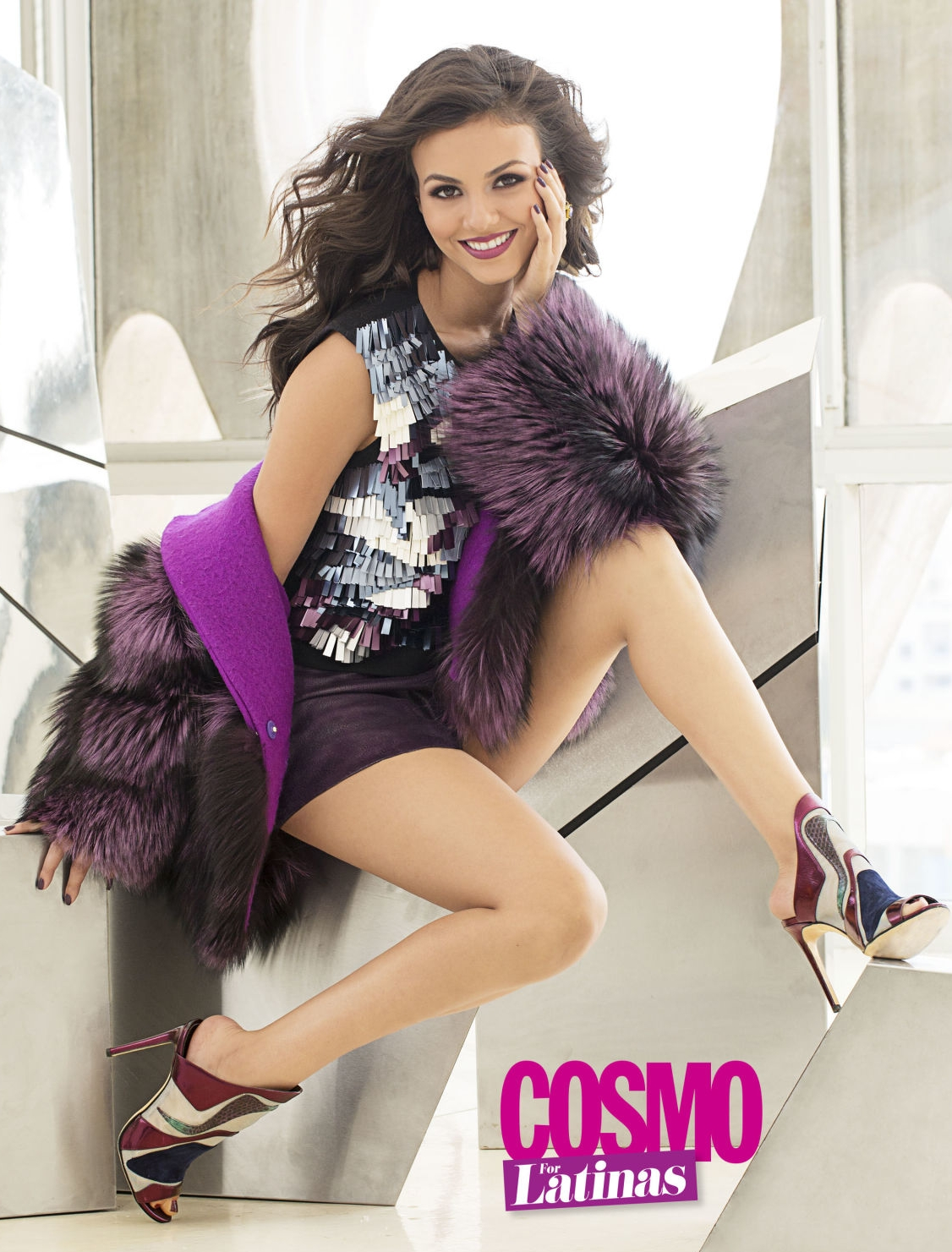 Fashion Editor: Laura Zapata. Stylist: Niria Portella. Cover story, Cosmo for Latinas.