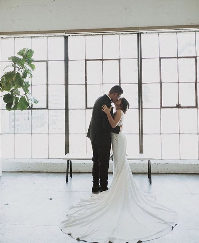 Congratulations to our beautiful bride @jenniferanhdo who tied the knot recently in the @pronovias EMILY gown. 😍🥰 The modern simplicity of her dress looked absolutely stunning at the @hudsonloft venue ❣️Thank you so much for sharing Jennifer, you were simply the sweetest bride! 👰🏻 ✨ #LEEHWA #LEEHWAwedding #Pronovias