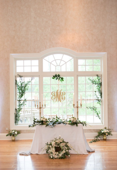 sweetheart-table-wedding-bride-groom.jpg