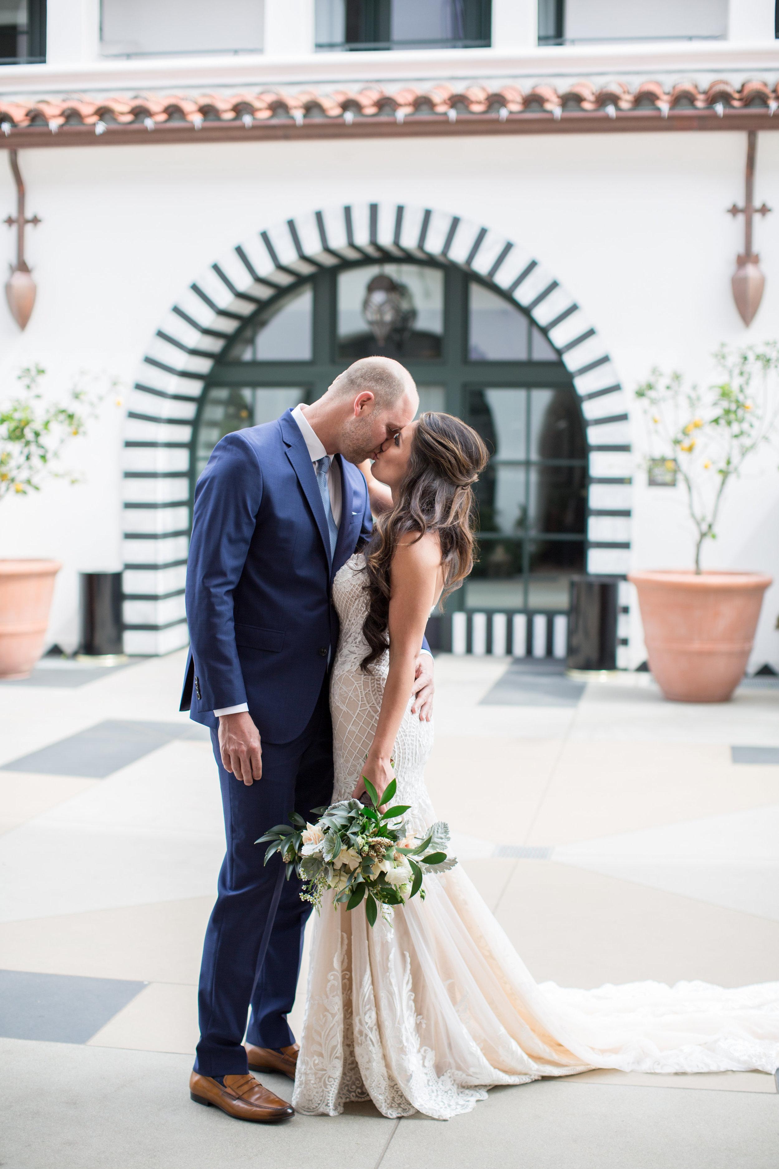alegria-by-design-wedding-planner-planning-design-event-coordinator-day-of-courthouse-garden-hotel-californian-villa-vine-courtyard (6).jpg