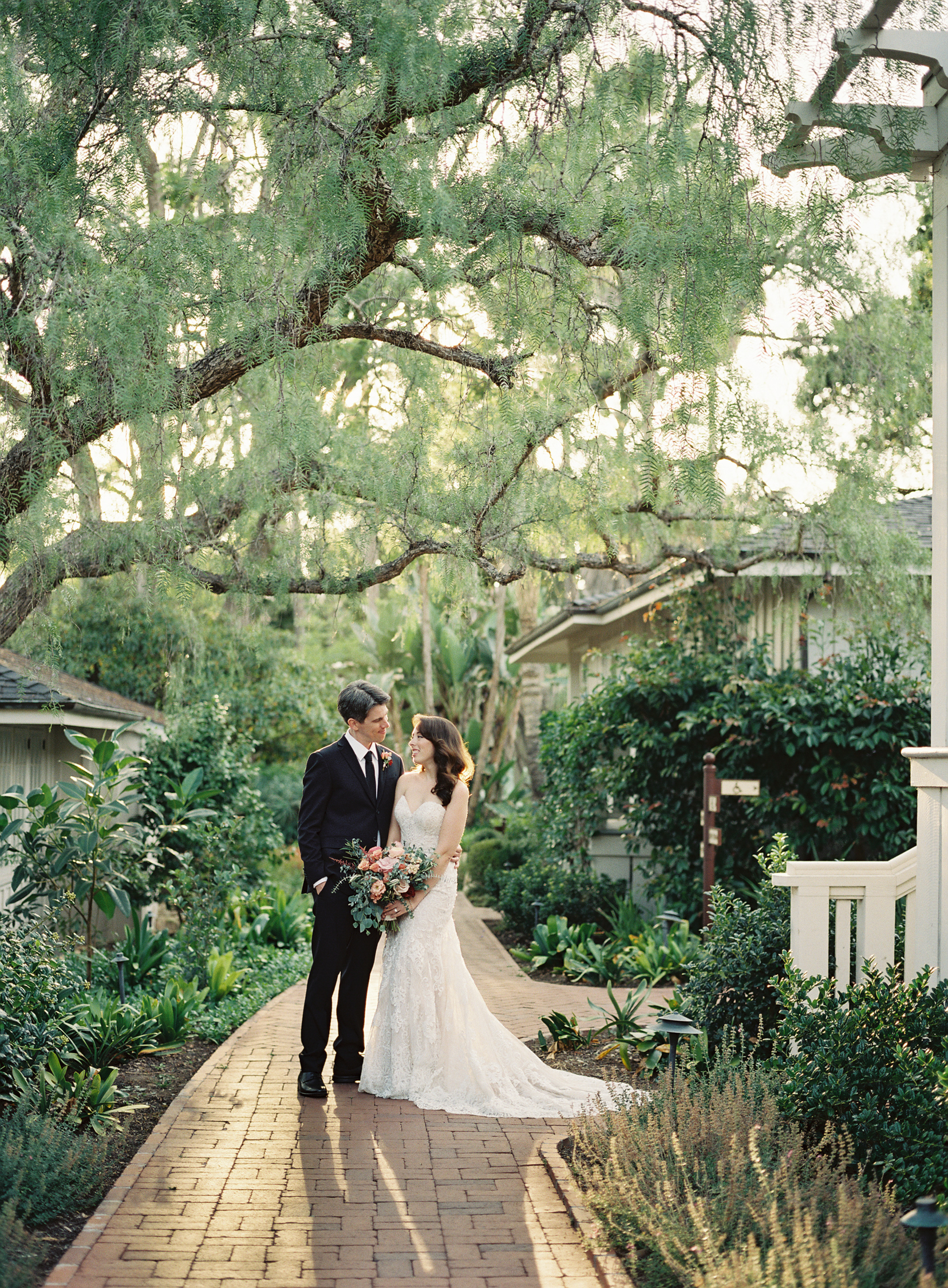 alegria-by-design-wedding-planner-planning-coordination-day-of-event-design-el-encanto-resort-riviera-garden-lily-pond-outdoor-red-navy (1).jpg