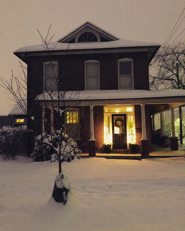 A snowy walk through Belmont ❄️