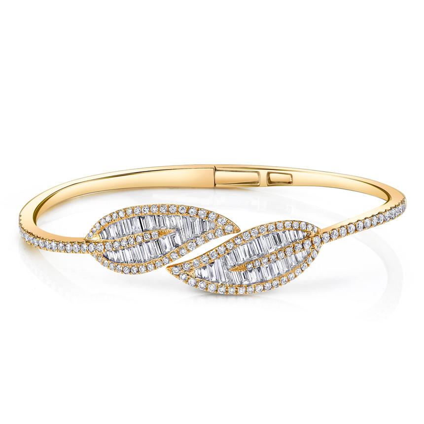 Anita Ko's inimitable baguette leaf bracelet is a favorite at Aubade.