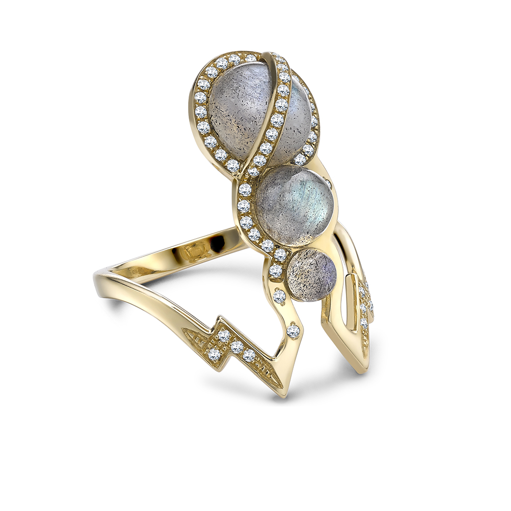 Theiya Obscura ring in yellow gold with labradorite and diamonds.