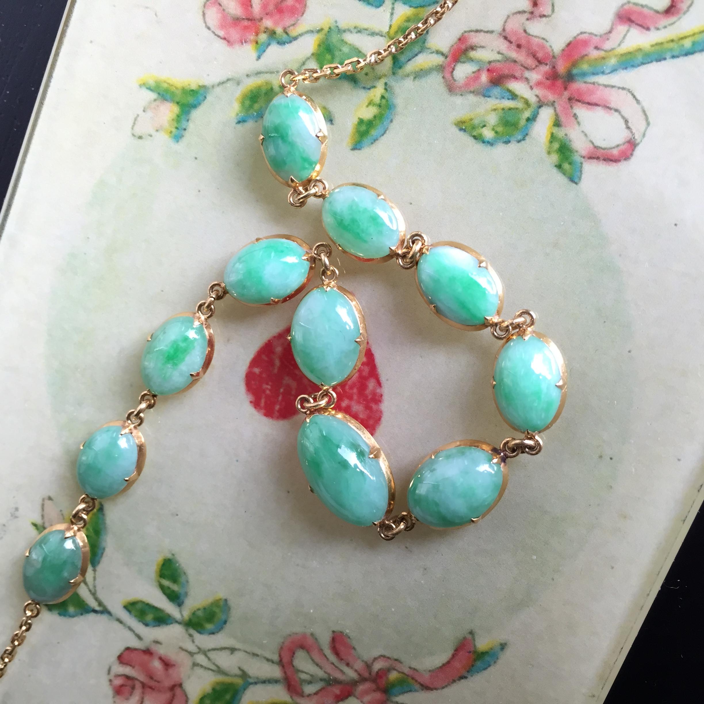 Nadine's grandmother's jade bracelet: it seems to have nine lives!