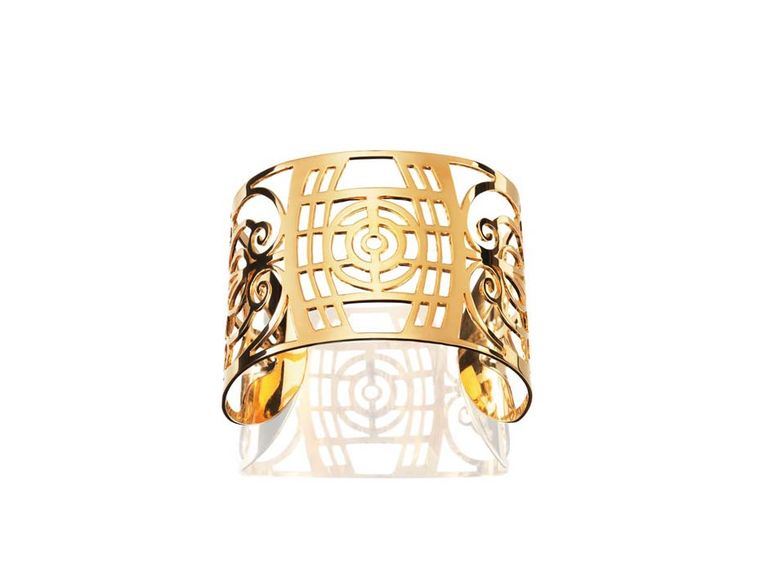 Efva debuted her new Barcelona collection at COUTURE this year and we're hot for this Art Deco-inspired gold cuff.