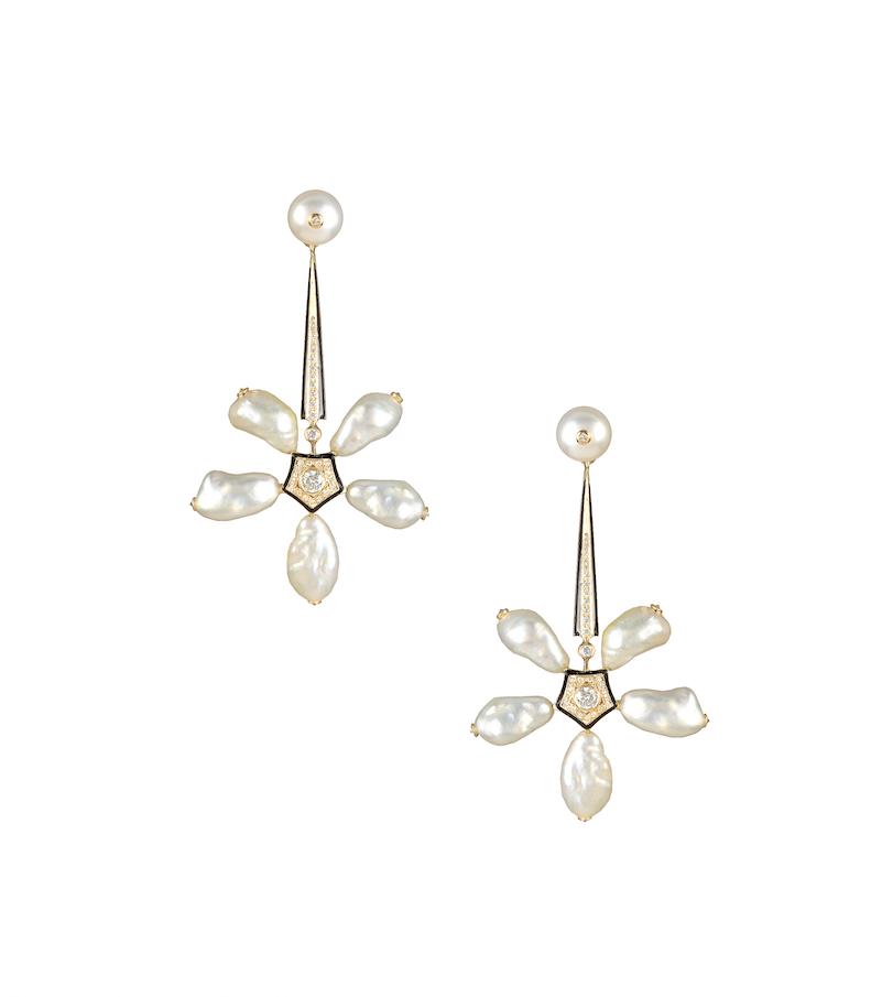 Narcotic Jasmines earrings in natural pearls, enamel and diamonds.
