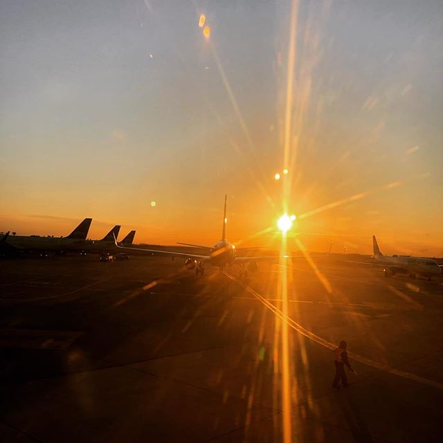 See you soon Charleston!! @chswineandfood . . . . . . #truecooks #chef #chefsofinstagram #cheflife #foodfestival #charlestonwineandfood #travel #jfk #nyc #sunrise
