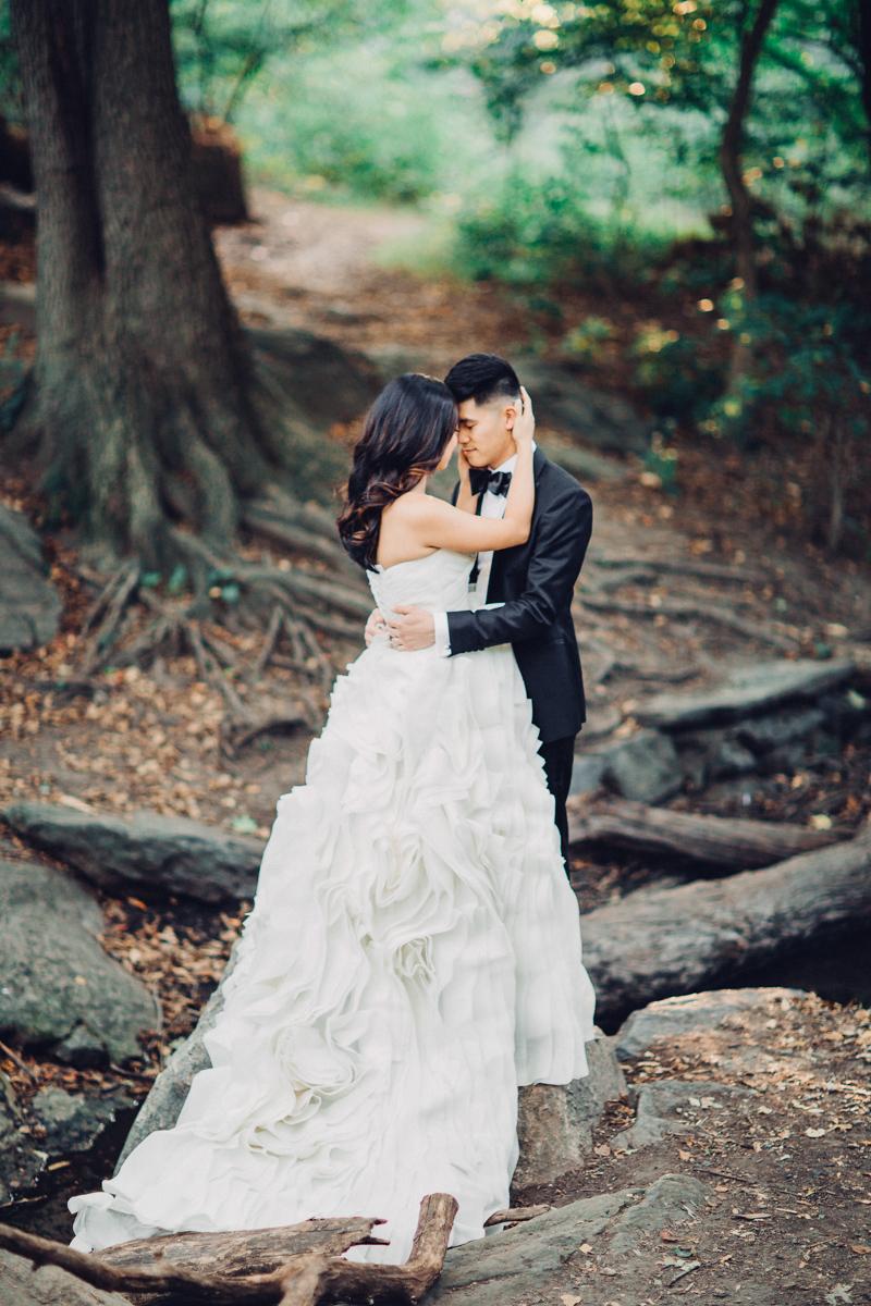 Brooklyn NYC Wedding Photographer Boris Zaretsky Central Park Wedding Photoshoot-20.jpg