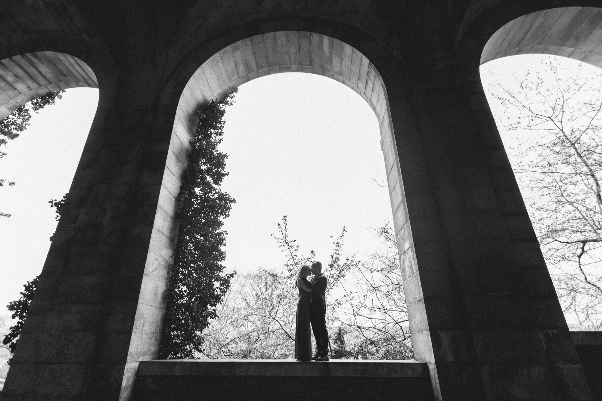 _B2C2366NYC wedding photography fort tryon park cloisters engagement brooklyn wedding photogrpaher boris zaretsky.jpg