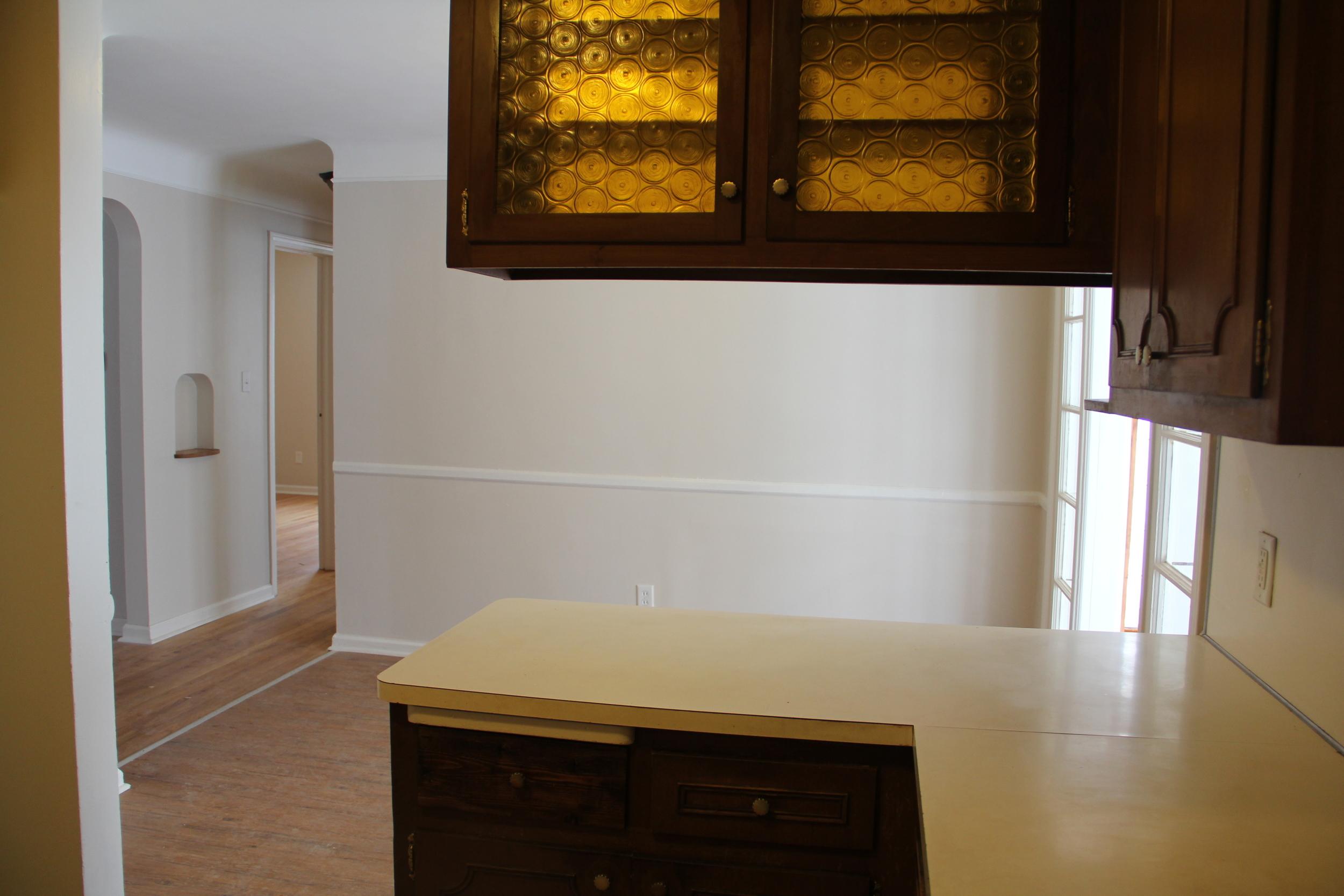 Cabinets:Dining room.JPG