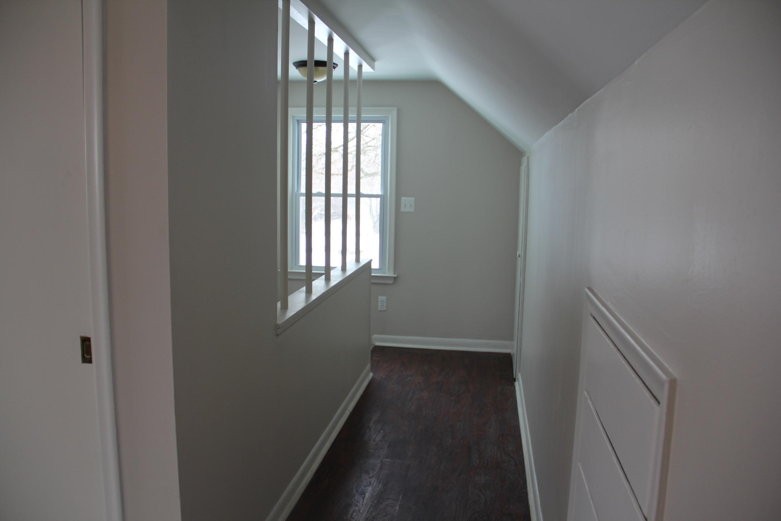 master bedroom-hallway (2).JPG