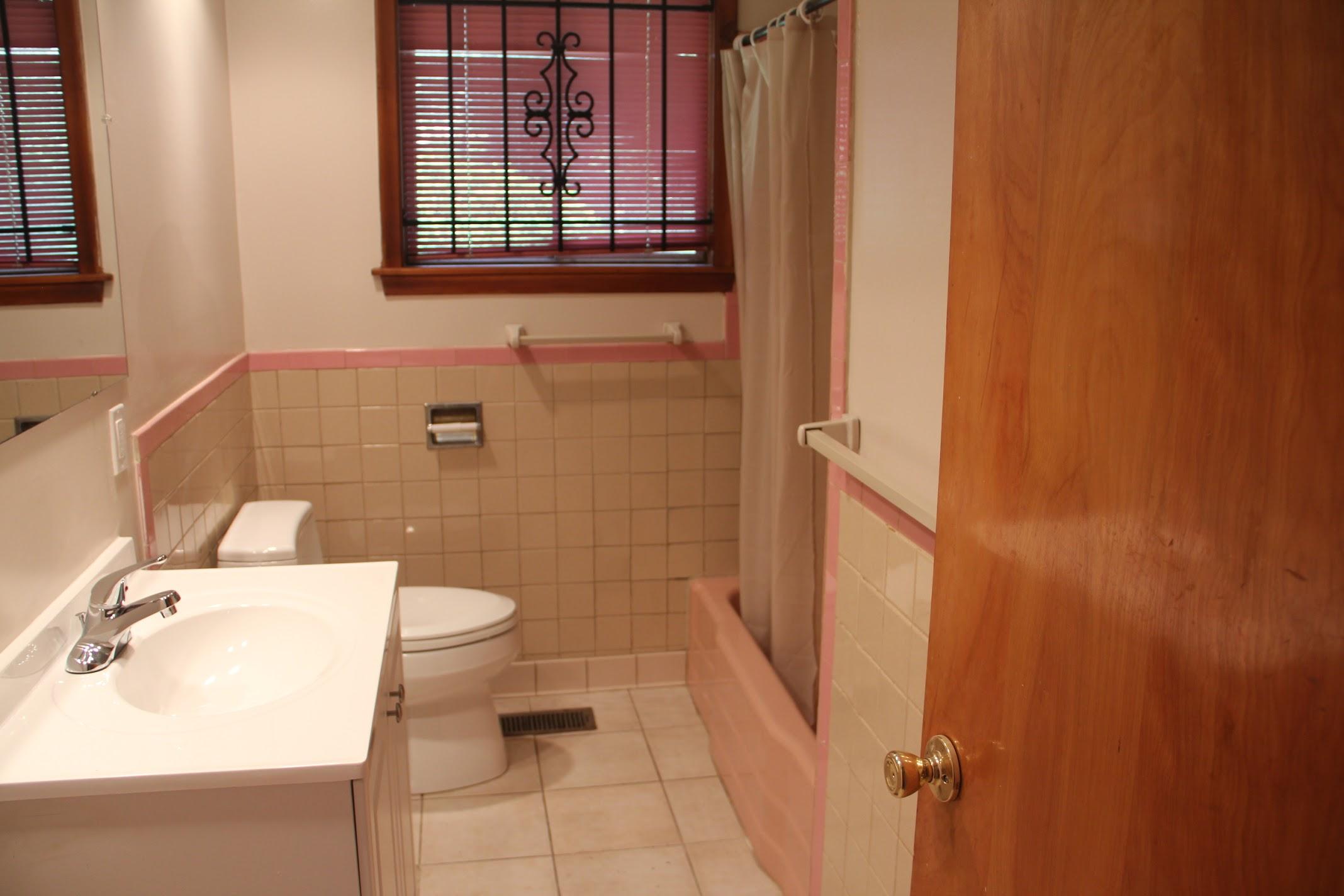 17631 Belden-Bathroom (6).jpg