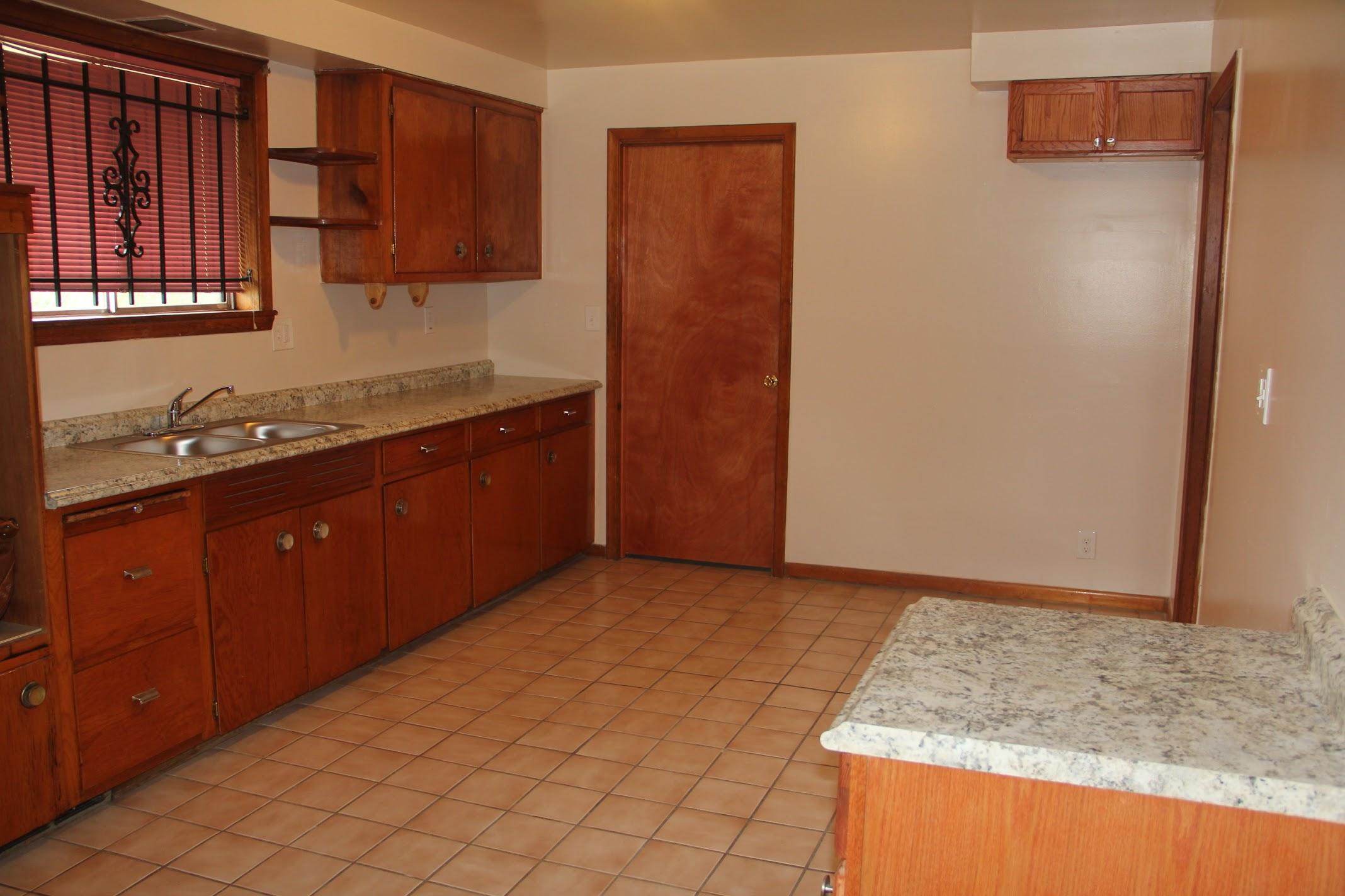 17631 Belden-kitchen.jpg