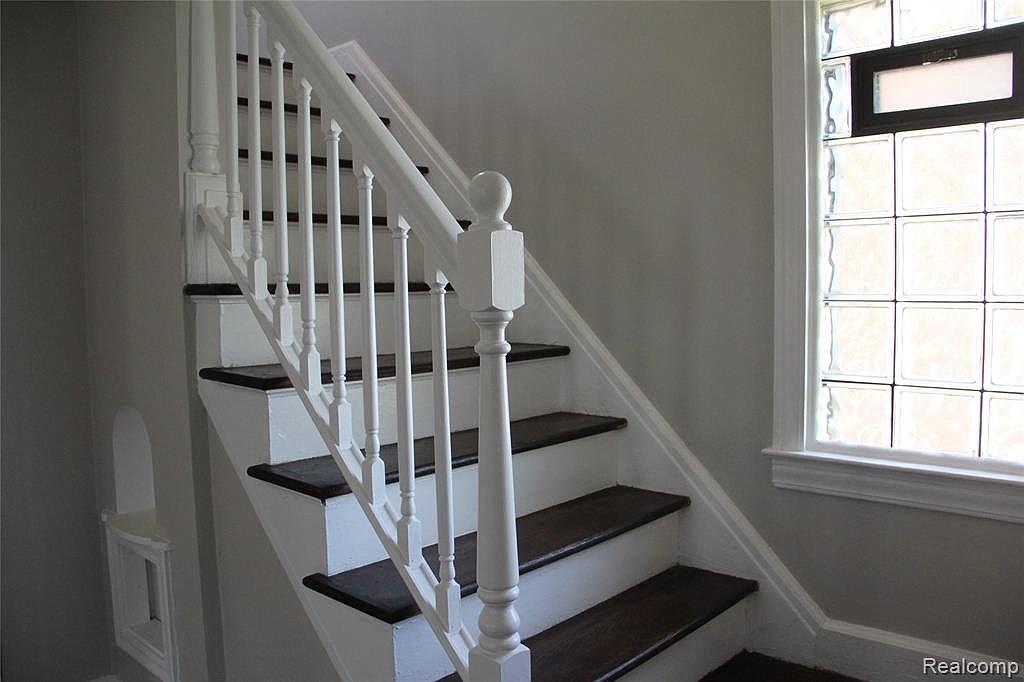 Northlawn stairs.jpg