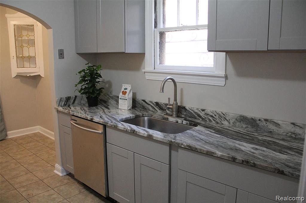 Northlawn kitchen.jpg