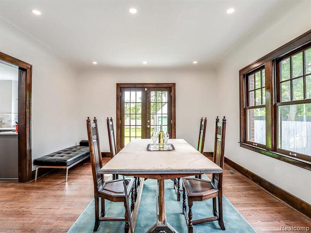 2915 Seminole Dining Room.jpg