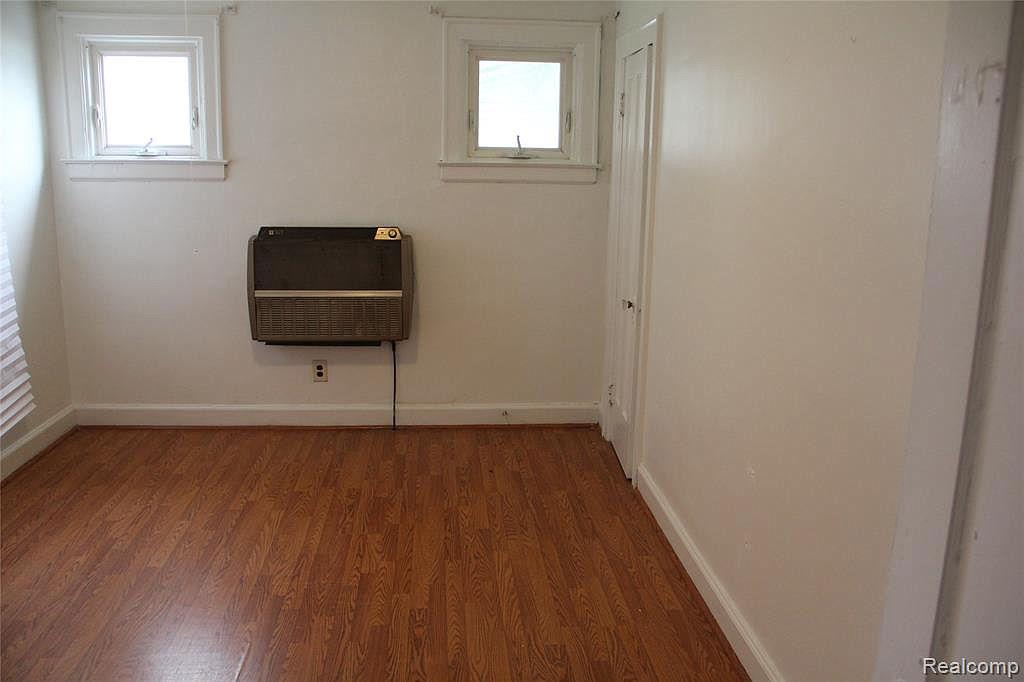 18315 Prairie Bedroom.jpg