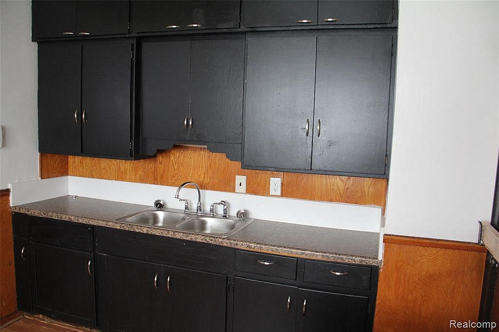 18315 Prairie Kitchen.jpg