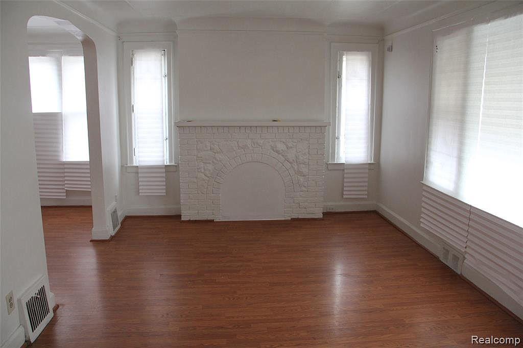 18315 Prairie Living Room.jpg