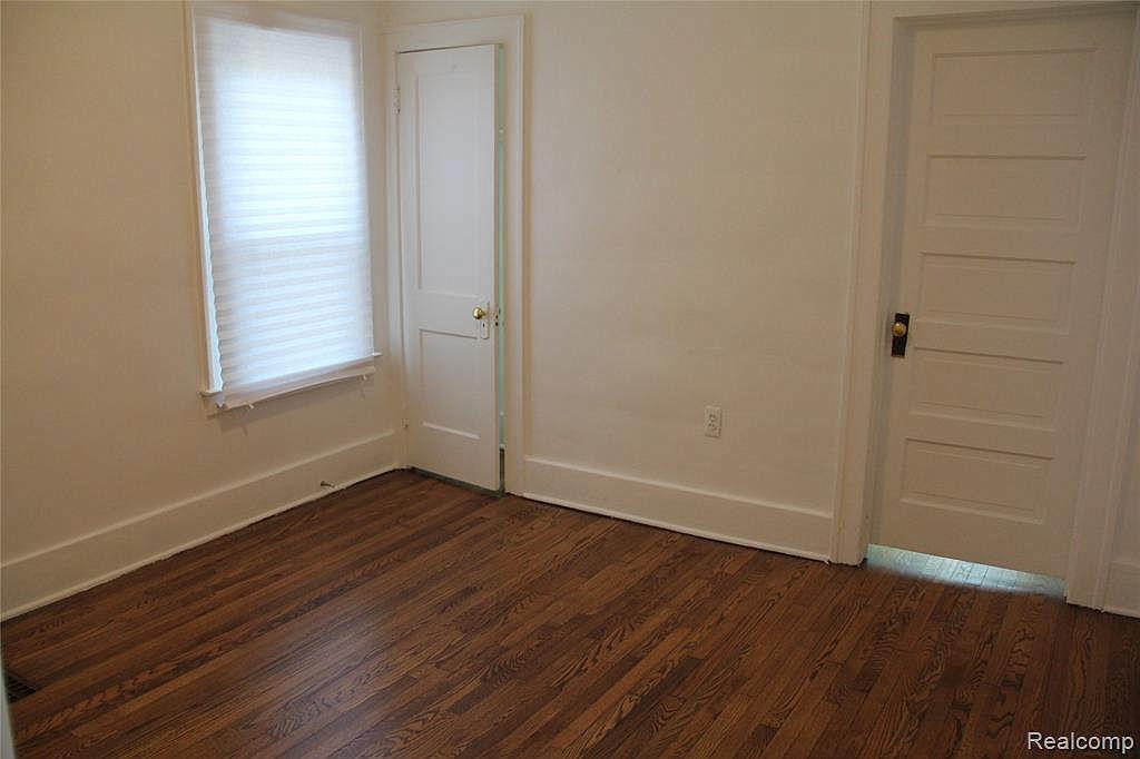 212 Marlborough Bedroom.jpg