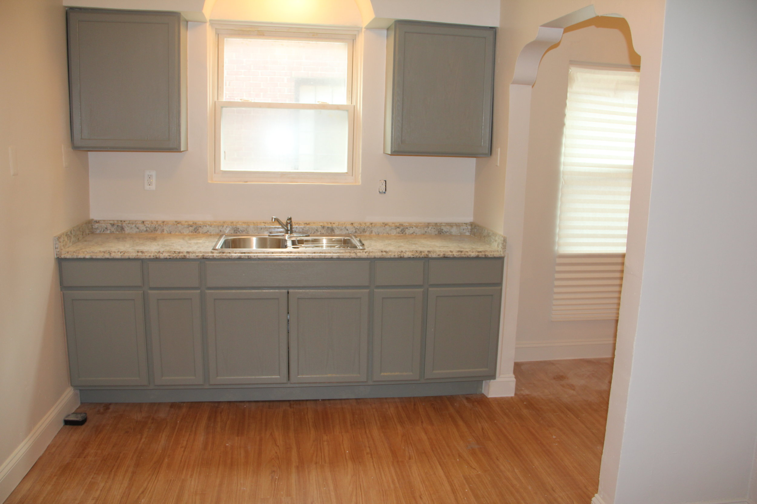 17521 Roselawn Kitchen.JPG