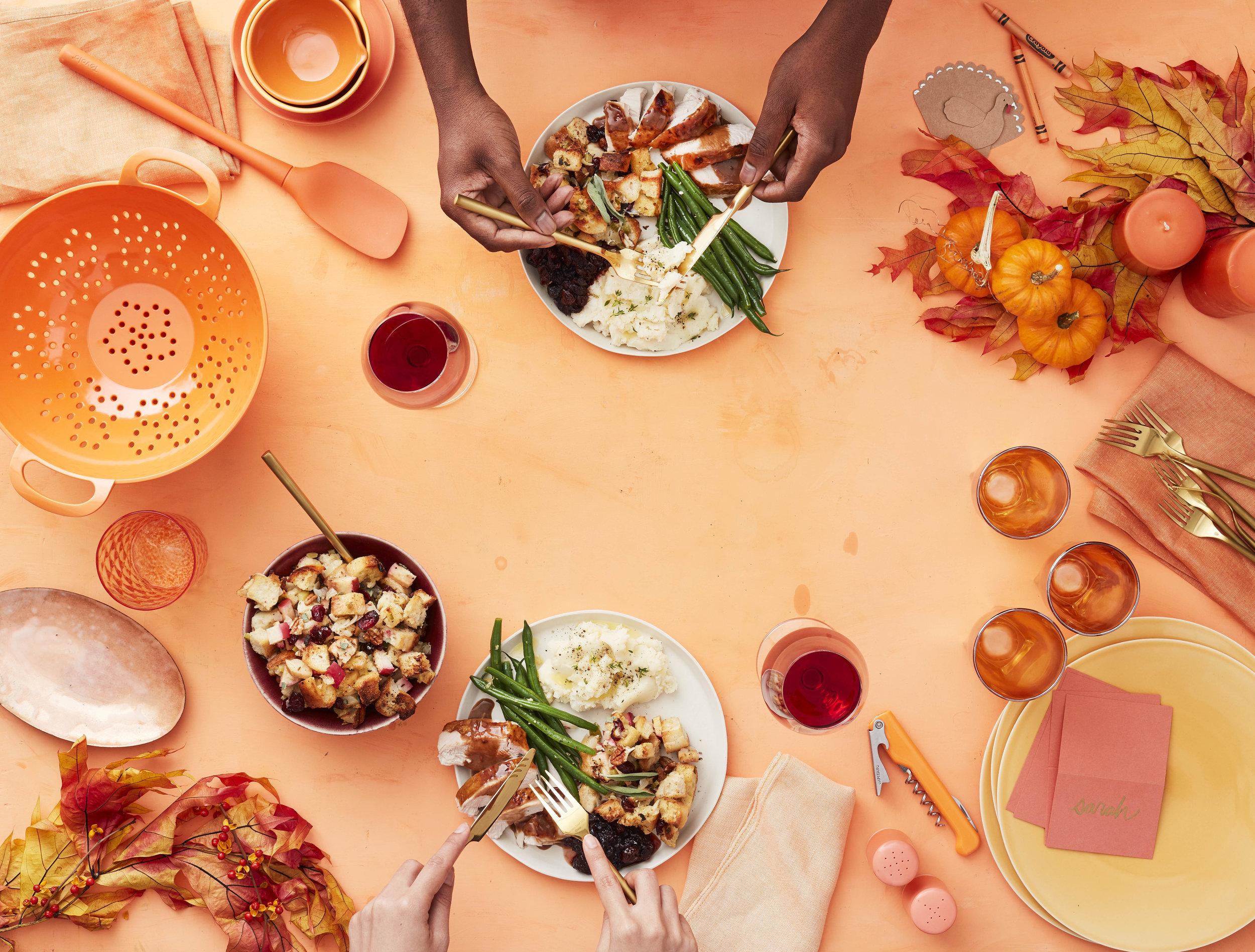 Thanksgiving Scene_02.jpg