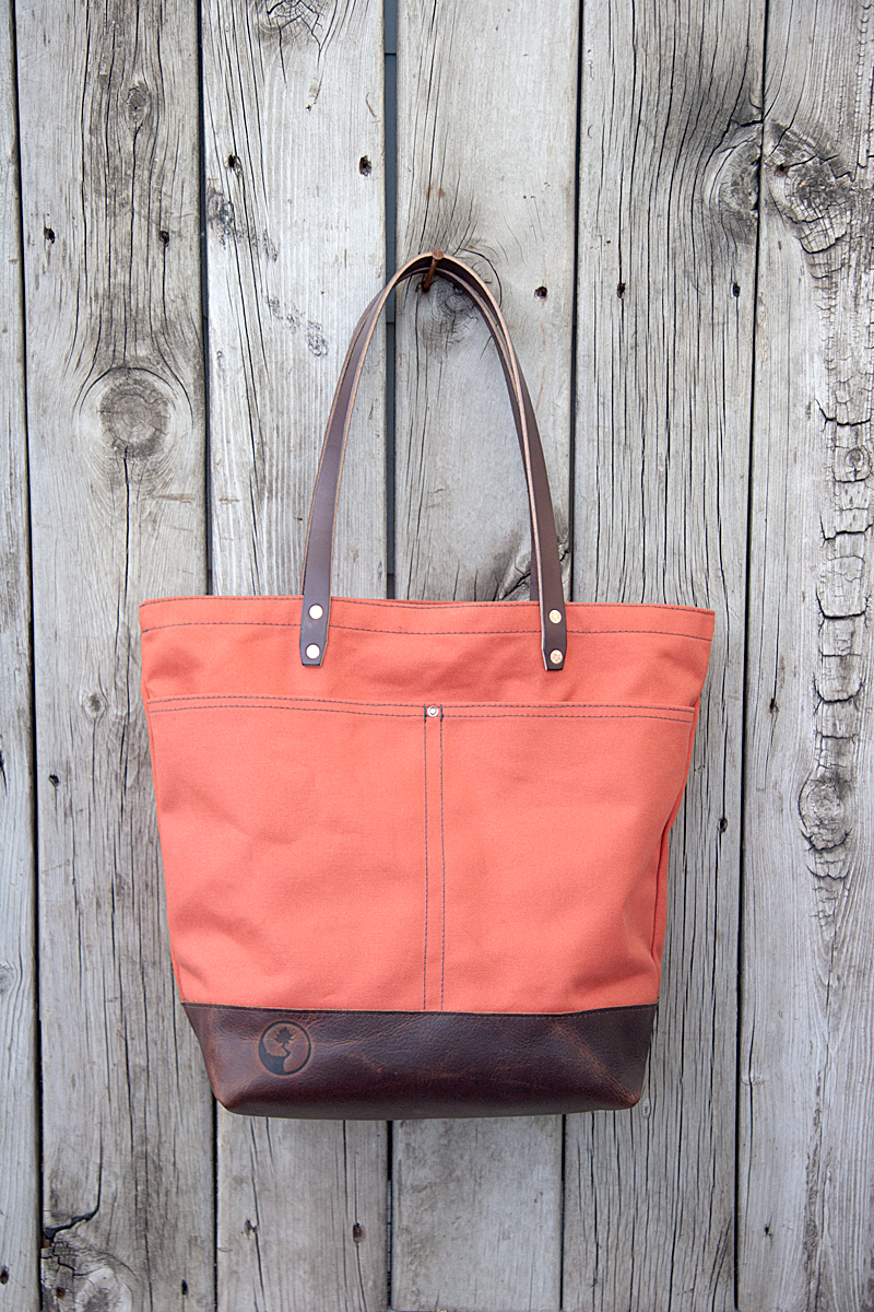 Market-Tote_Terra-Cotta-Deluxe-with-Clutch-Insert_Front.jpg