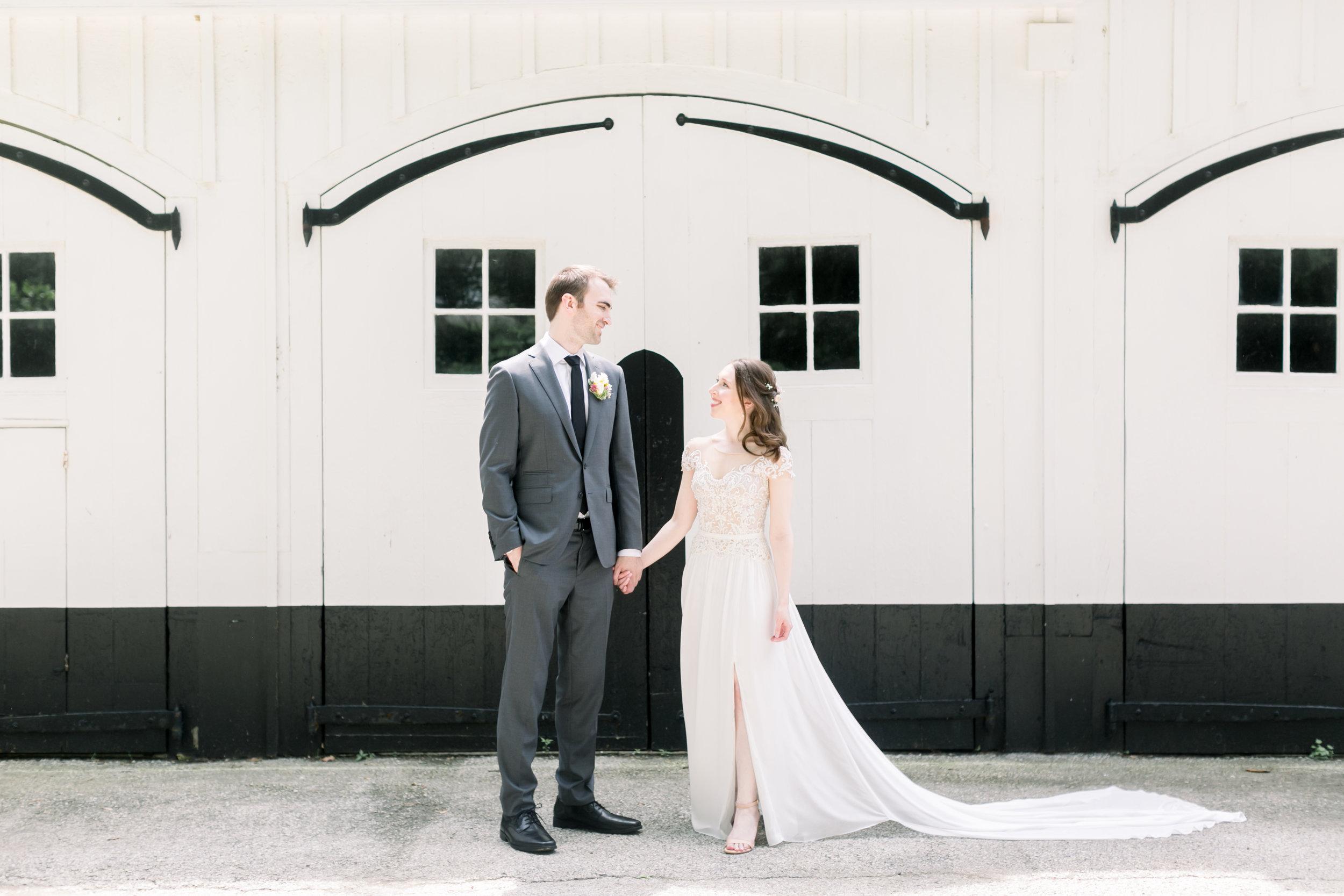 JACLYN + GREG - APPLEFORD ESTATEPhotographer: Emily Wren
