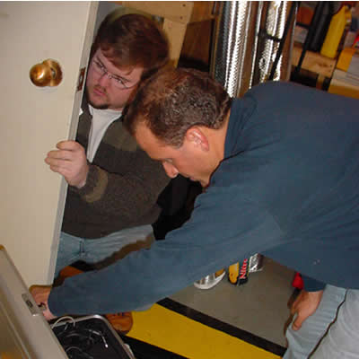 December 15, 2000- Hampton, CT - USA-Preparing the trucks at Bruce Kinzer's