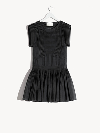 hm-conscious-exclusive-sustainable-fashion-olivia-wilde-sl-Dress-in-Tencel-blend.jpg