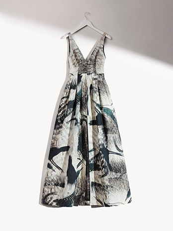 hm-conscious-exclusive-sustainable-fashion-olivia-wilde-sl-Dress-in-organic-linen-blend.jpg