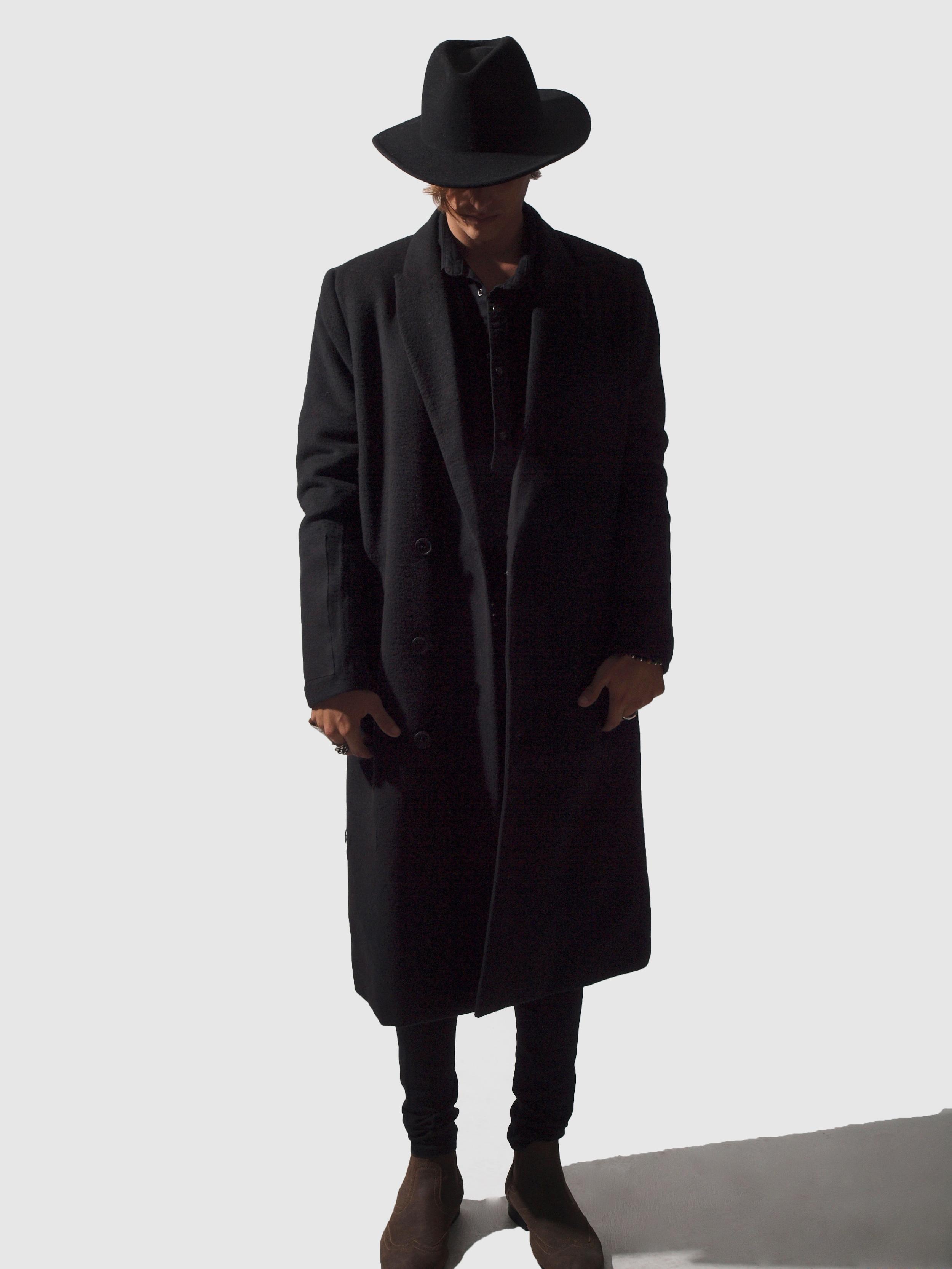 ERIS BLACK - DARK COAT