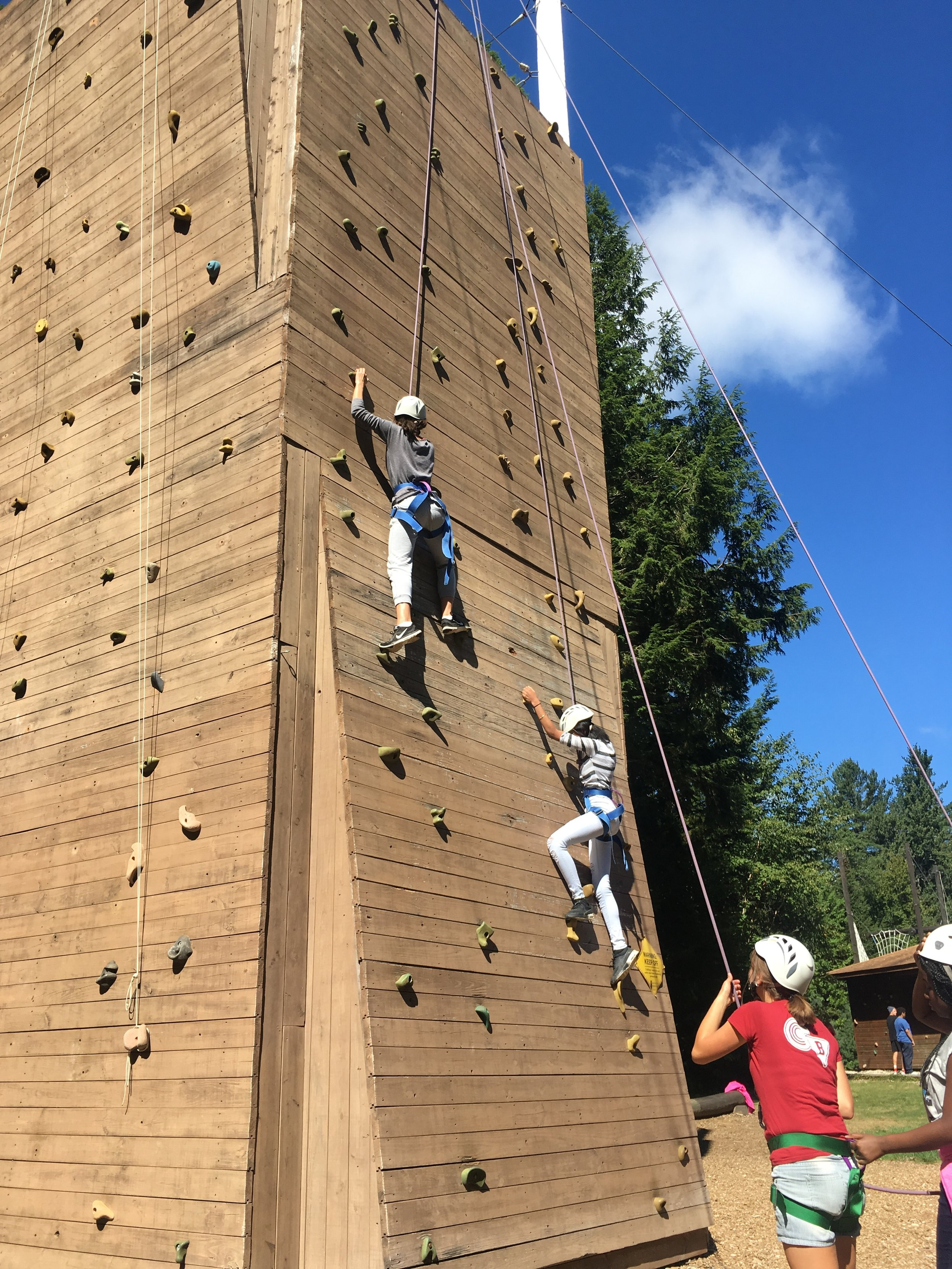High school students started the year by testing their limits and building their house communities on their annual house retreats.