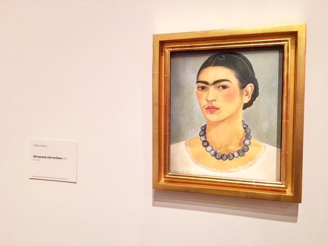 Frida Kahlo - Self-portrait with necklace 1933 - photo @busycitykids