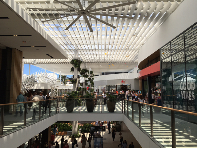 warringahmallsydney02.jpg