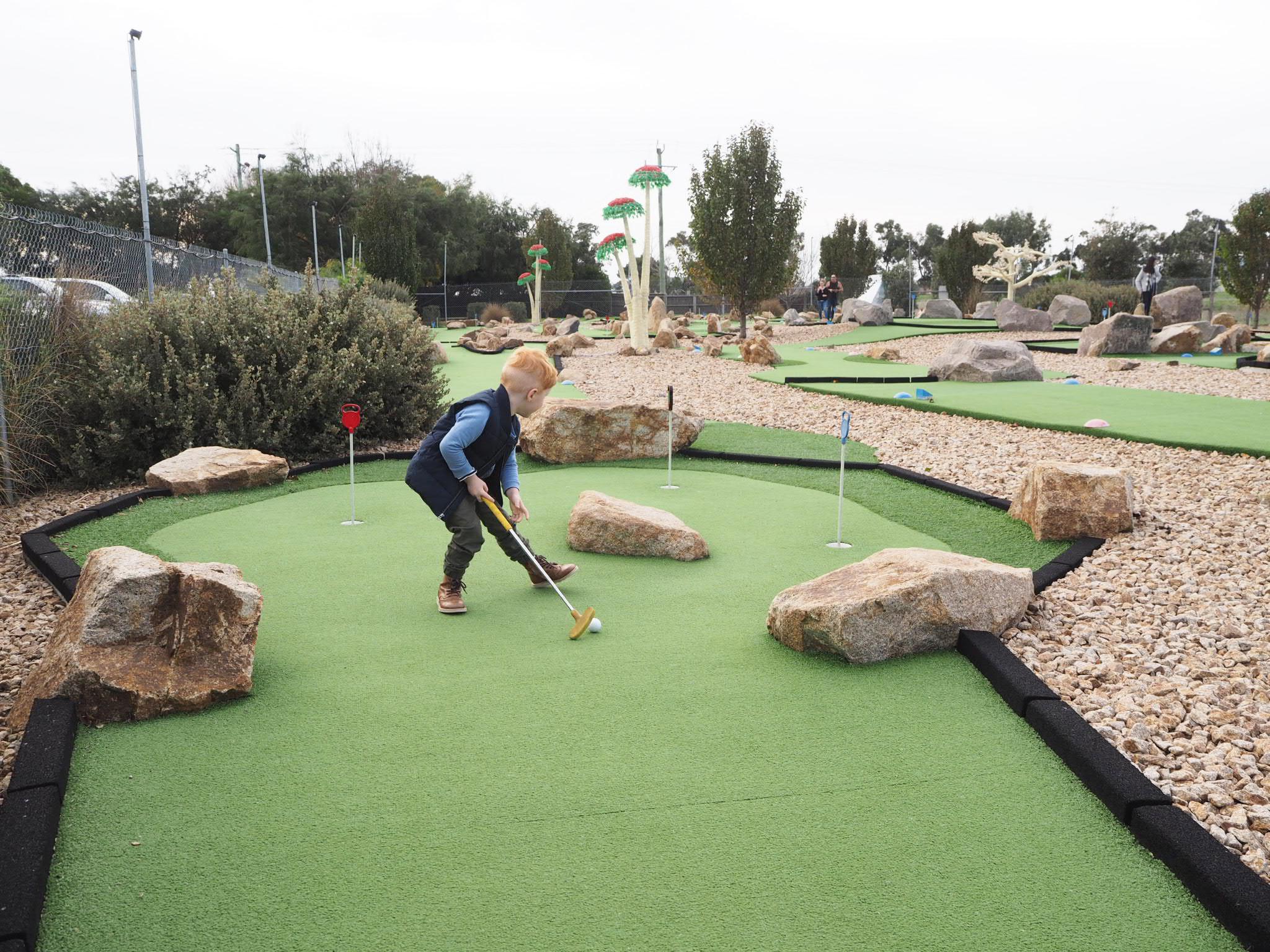 Boneo Maze & Mini Golf