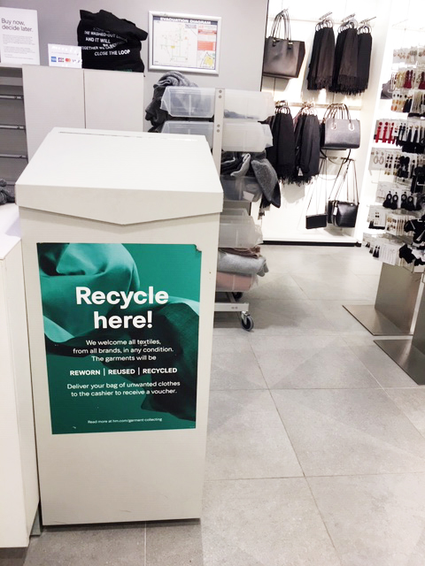 Recycle at H&M - Photo credit: @busycitykids