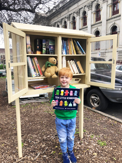 Street Library - Photo credit: @kateflatman @busycitykids