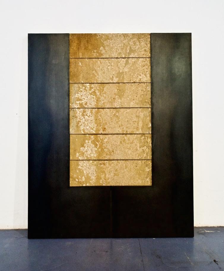 Enrique Asensi, ohne Titel, 2012, Corten-Stahl, Anröchter Dolomit, 200 x 161,5 x 20-6 cm, courtesy of Galerie Seippel Köln.jpg