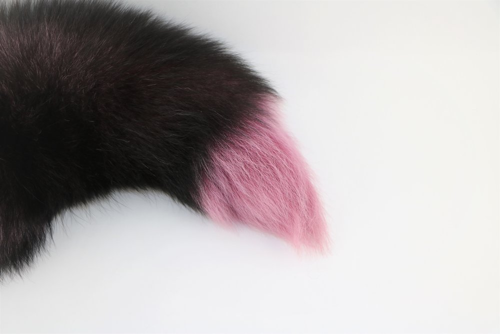 Real Fur 200425-AAA Lot No Brown Dyed Silver Fox Tail