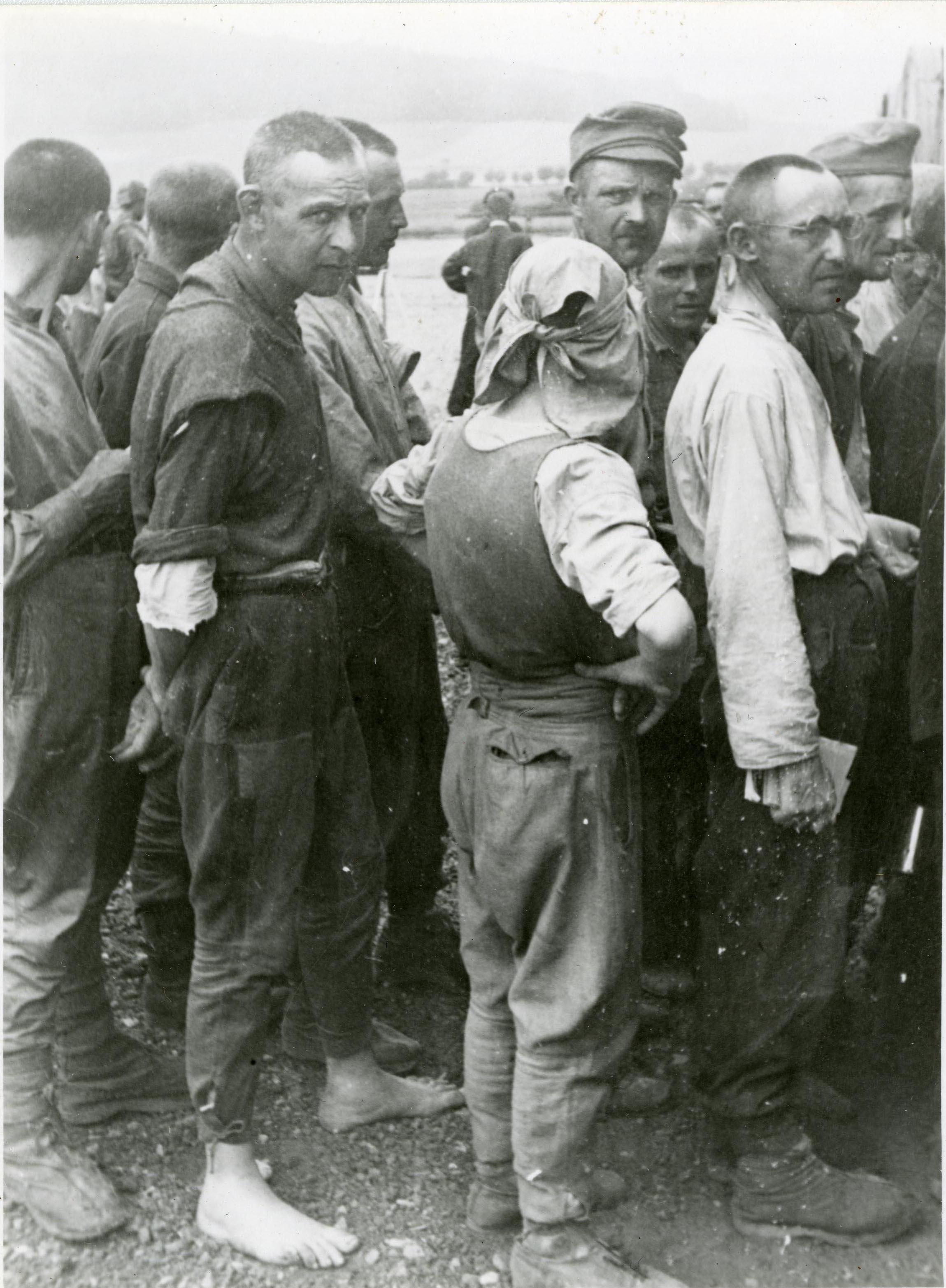 Krigsfångar. Okänd fotograf. Ur Gösta Lundins arkiv