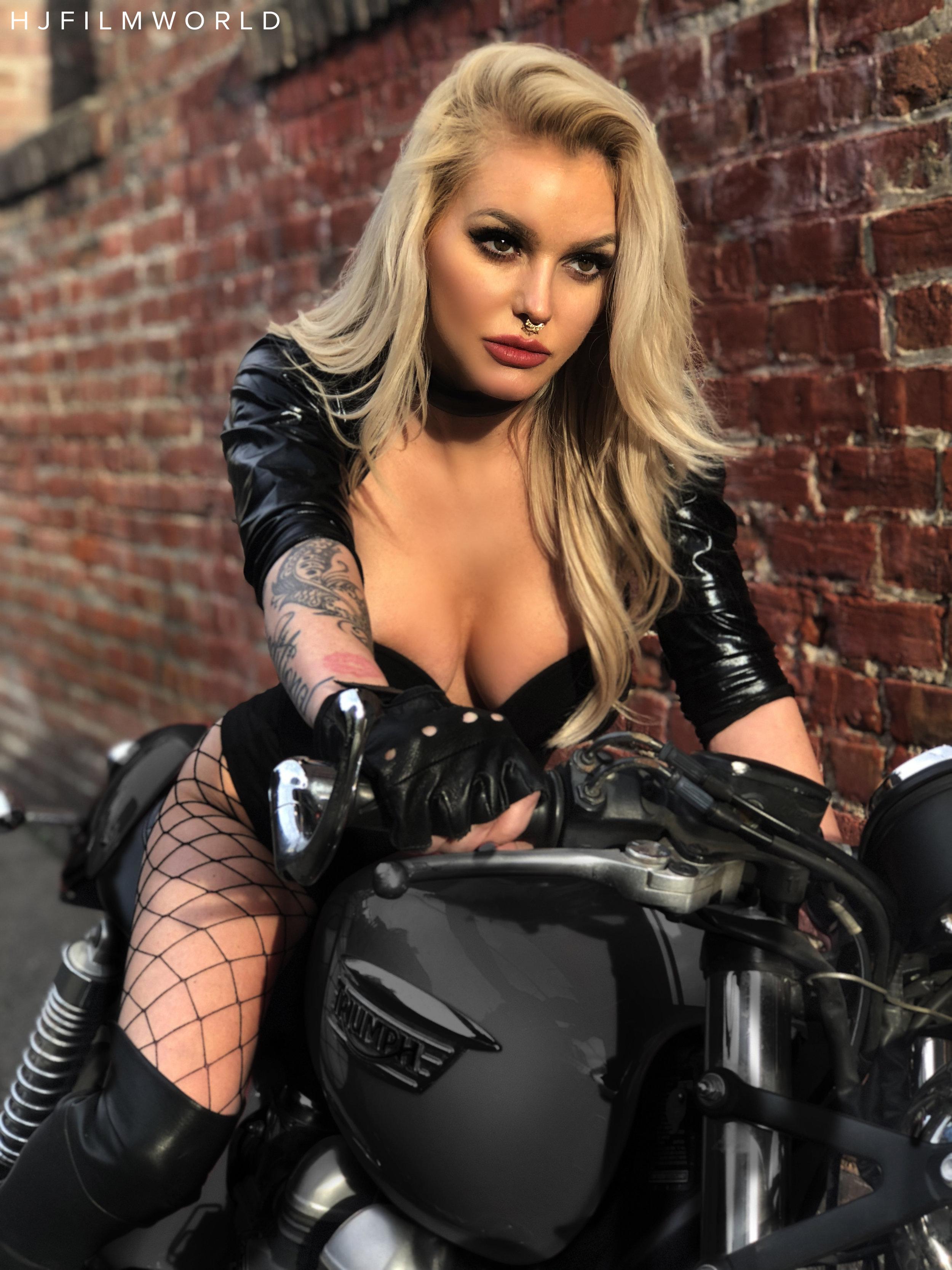 Model: Jamie Patterson