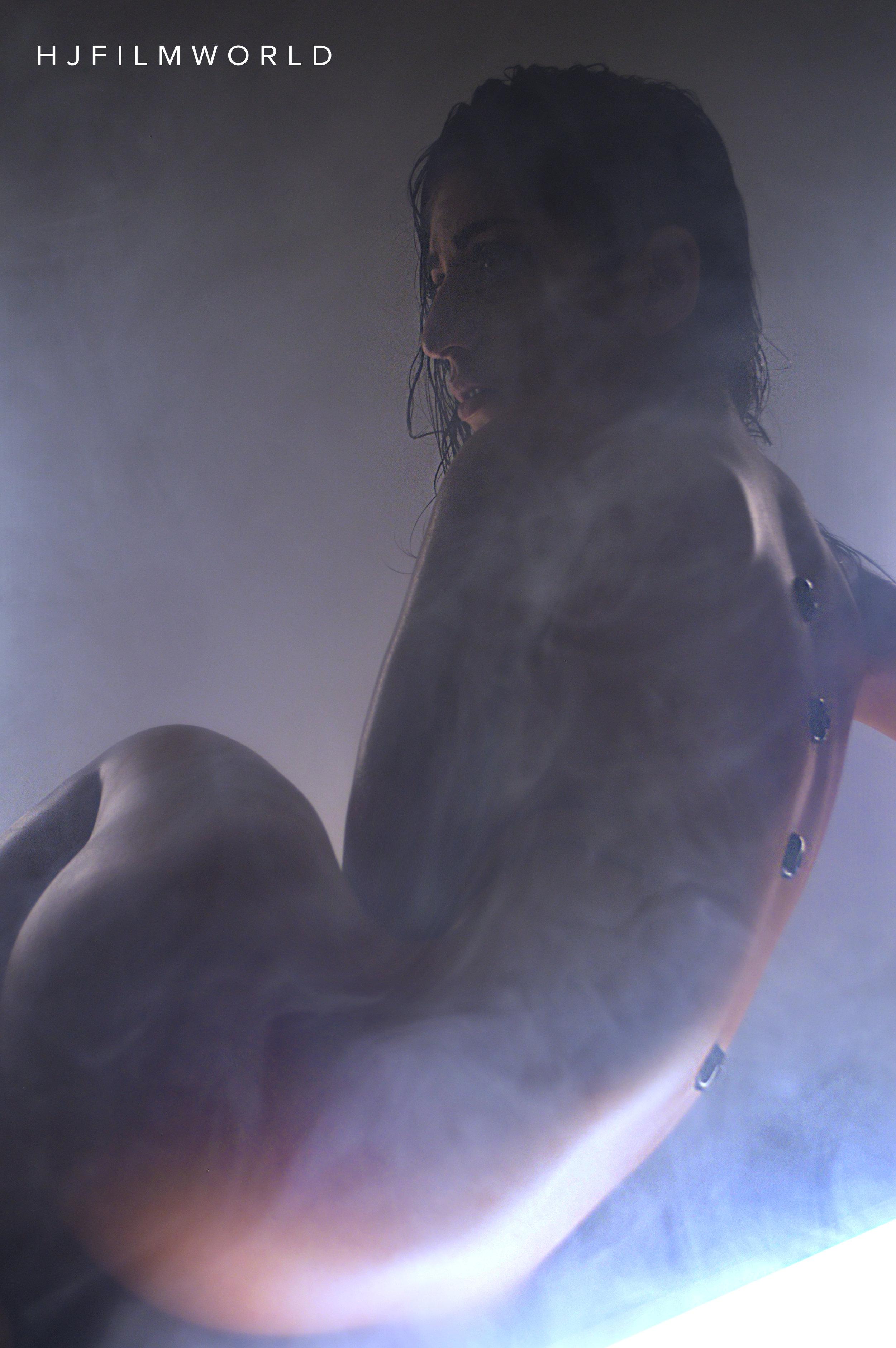Model: Nikki Knightly