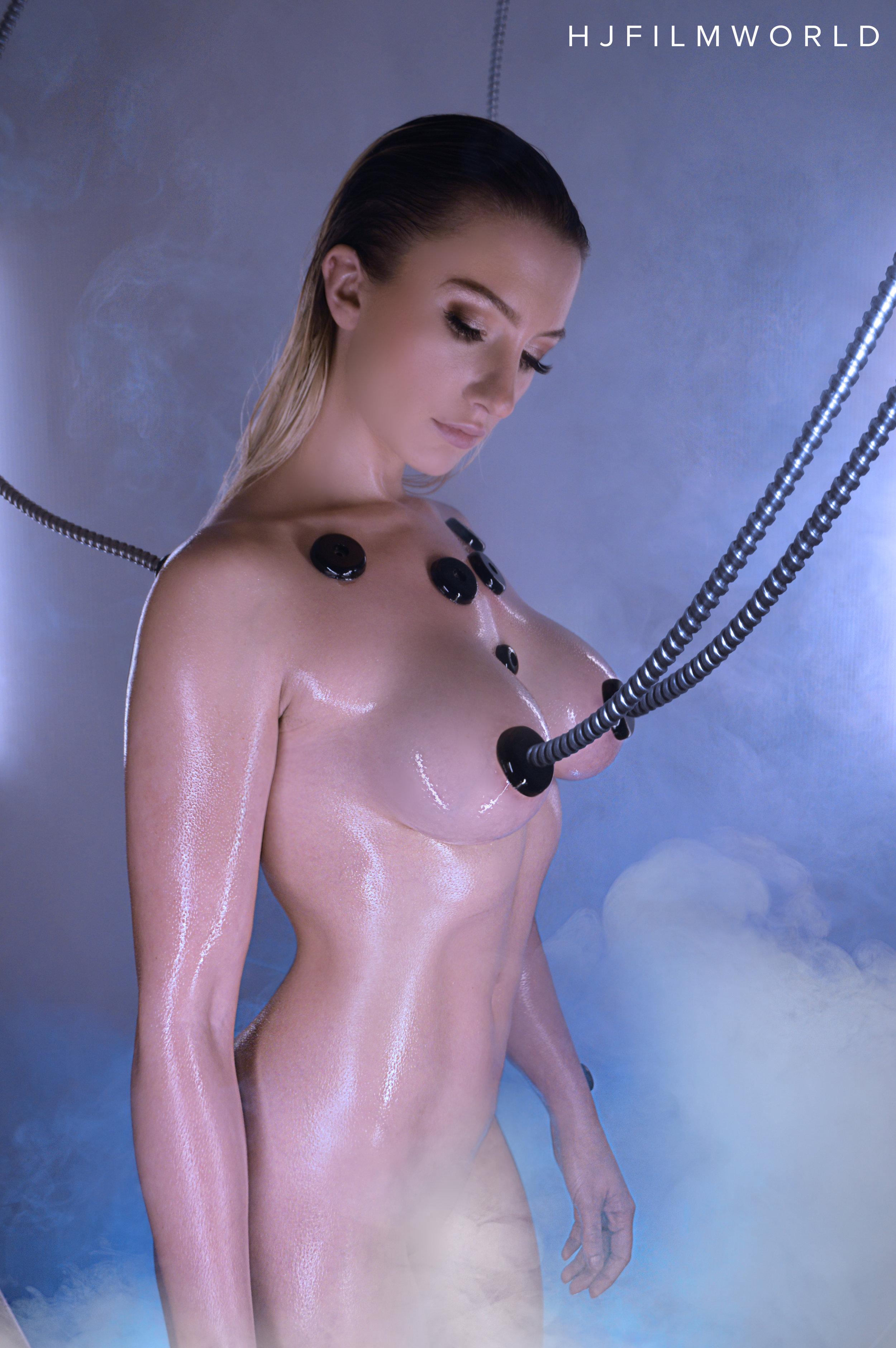 Model: Laura Wright