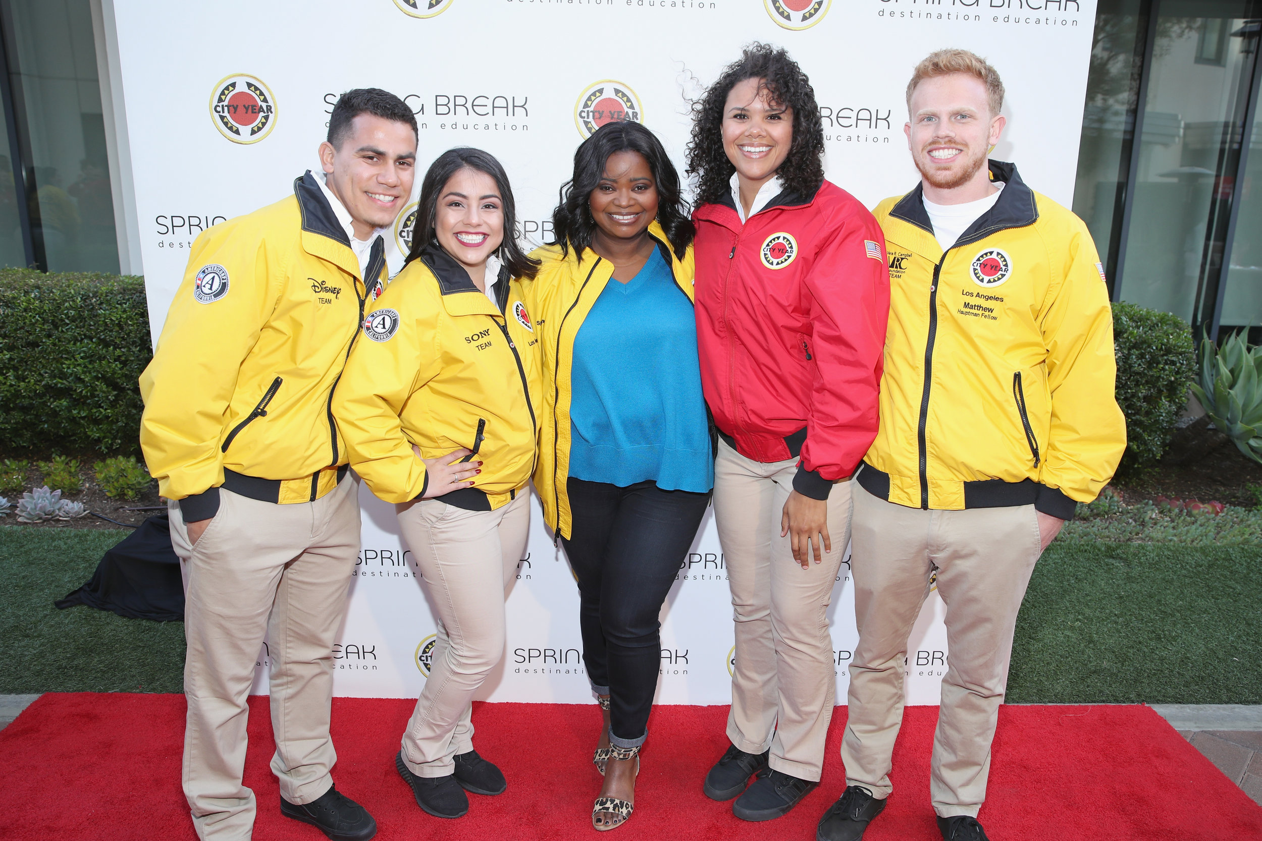 Octavia Spencer, CYLA Board and RJS Member, joins AmeriCorps members at the start of Spring Break