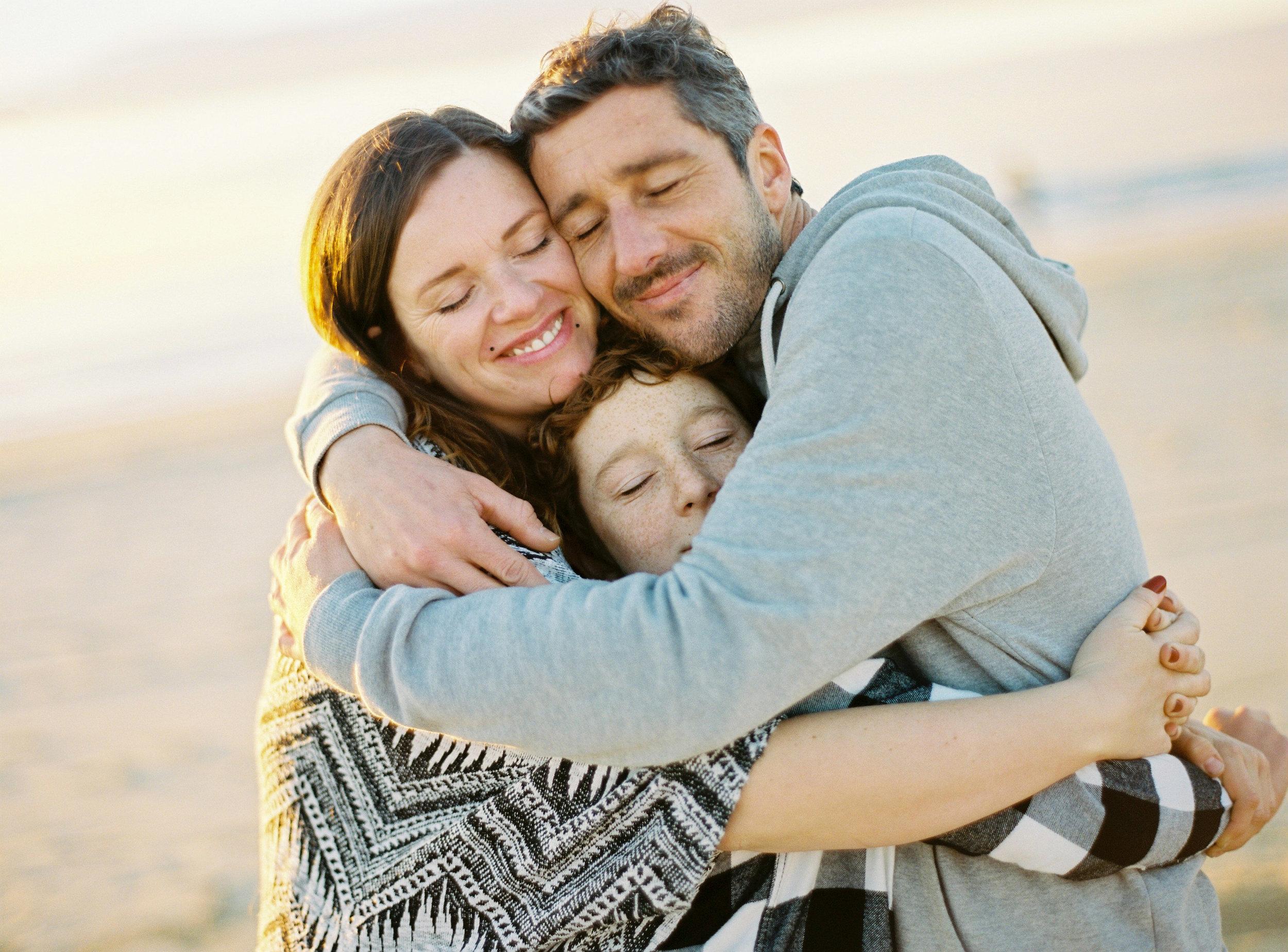 ccelinehamelin-photographe-couple-landes-session-plage-lovers-photography-photographe-seignosse-argentique-onfilm10.jpg