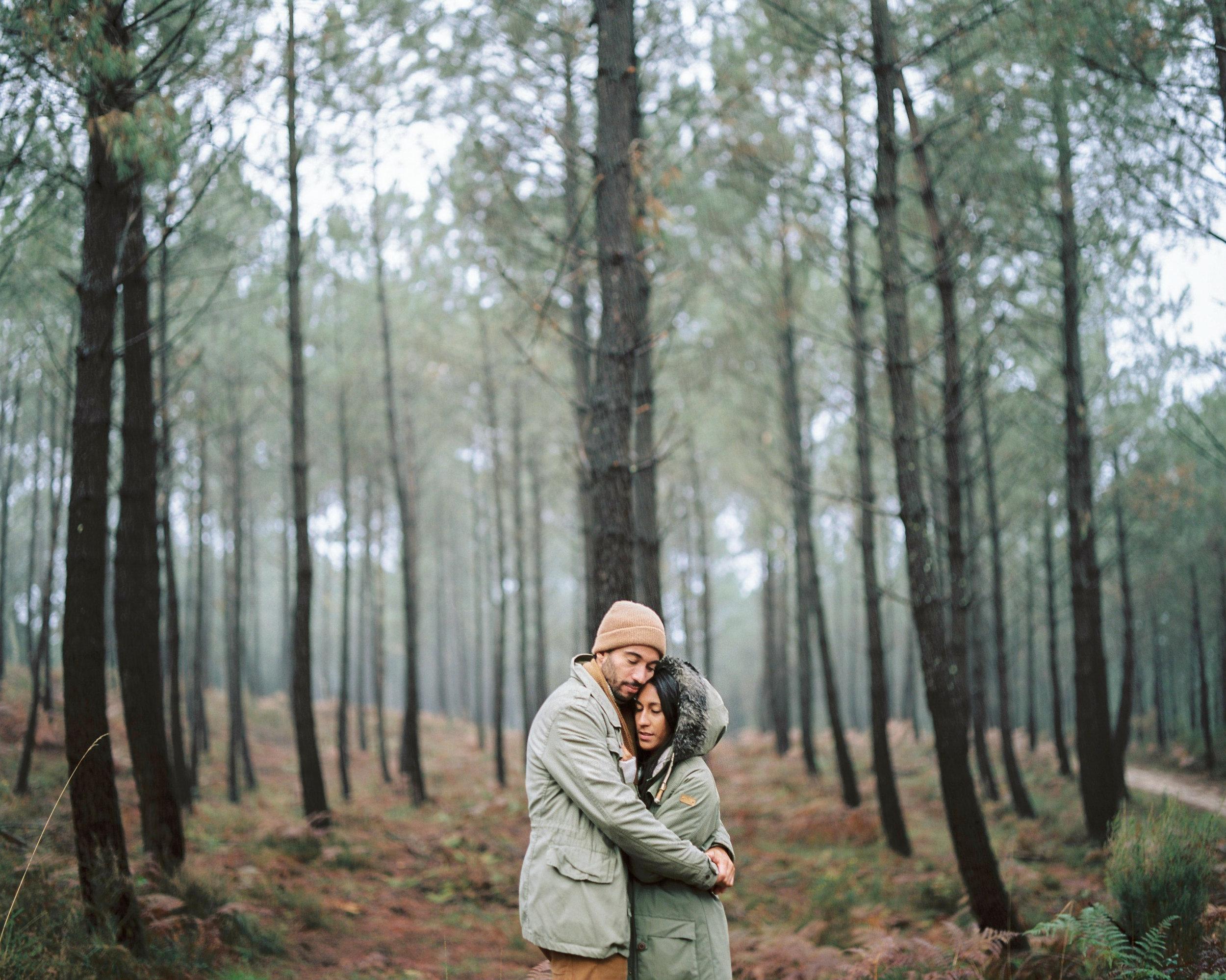 celinehamelin-photographe-couple-argentique-loversession-espagne-sudouest-filmphotography7.jpg